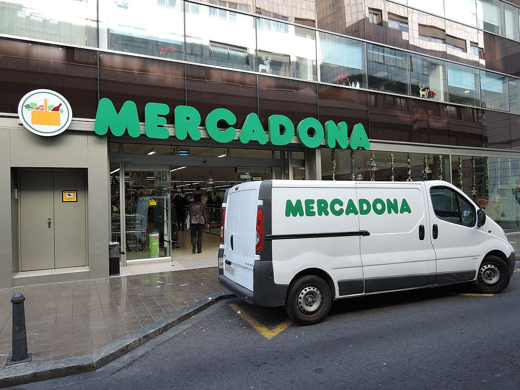 Mercadona supermarket van